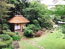四季折々に表情を変える憩いの庭園