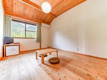 *【客室一例:モッチョム側】あたたかい光が差し込む モッチョム岳側のお部屋。