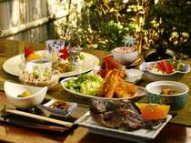 掛け流しの貸切岩風呂★旬の野菜と海の幸プラン★