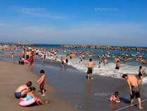 新舞子海水浴場は遠浅の為、ファミリーにもオススメです。写真はイメージです。