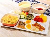 素敵な一日の始まりに、コンフォートホテルの無料朝食をご利用ください。
