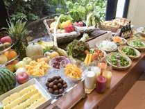 朝食 地元産の野菜と名物料理を中心に旅の思い出になる「神戸のあさごはん」をテーマにご用意しました。