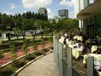 東京ミッドタウンの風景♪赤坂の街で緑に囲まれてのんびり過ごすのも◎