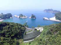 世界ジオパーク伊豆・堂ヶ島の入江に面する、6組様限定の湯宿「繭二梁」(まゆふたはり)