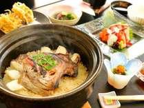当館自慢の土鍋ご飯、お米の旨味と食材の旨味のバランスを絶妙に整えています【Gallery】