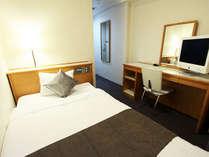 【客室】シングルルーム ベットは110cm幅のゆったりサイズをご用意♪