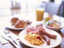 種類豊富な朝食バイキングメニュー。