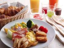 種類豊富な朝食バイキングで1日の元気をチャージして お出掛けしましょう!
