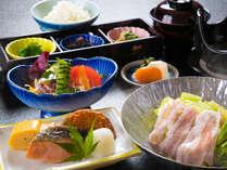 【グルメ】さつき苑が誇る日本料理れいめい庵の料理長おまかせ1泊2食付きプラン<スタンダード>