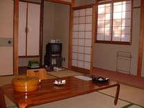 旧館 東の丸 和室  トイレ付・バスなし 多少ご不便をお掛け致しますが気軽に温泉旅館をお楽しみ頂けます