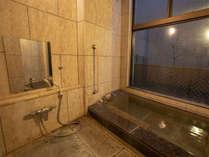 家族風呂:フロントにて要予約の貸切風呂です。