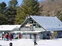 当館は栂池高原スキー場から「徒歩10秒」と、スキーヤー・ボーダーに嬉しい絶好のロケーション!