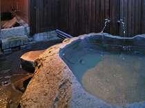 温泉棟、露天風呂。