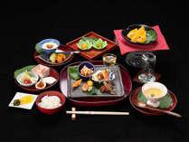 *【夕食一例】四季を感じながらお召し上がりいただけるよう、旬の食材を手作りのお料理にてお届けします。