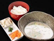 *【朝食】宮崎の郷土料理「冷汁」。混ぜて食べても別々でも美味しい!
