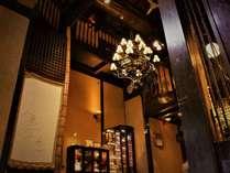 ☆玄関から入ってすぐのロビー。オシャレで暖かみのある雰囲気です。
