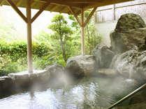 吉野の山々を望む露天風呂で心も体も癒される