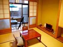 ゆったりお過ごしいただける落ち着いた雰囲気の和室。露天風呂付(竹の間)