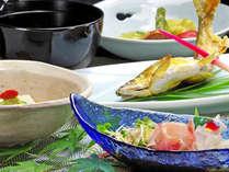*【夕食一例】旬の食材にこだわった料理に舌鼓。