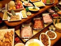 地元徳島の食材をはじめ合計50種類以上の品数を準備してます