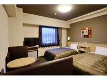 スタンダードツインルーム◆ベッドサイズ110×200(cm)×2、地デジ対応32型液晶テレビ完備◆