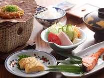 飛騨高山の郷土料理「ほう葉みそ」は炭火焼きにて。炊きたてご飯の上にどうぞ♪
