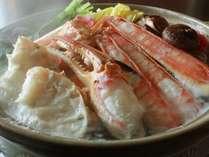【越前蟹のお鍋(かにすき)】身入りのいい蟹の足、胴からいいお出汁がでてきます