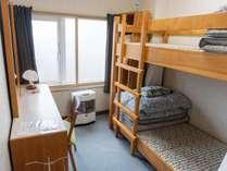 個室(2人用)のお部屋です