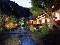伊豆長岡温泉 それぞれが異なる八つの離れ家  古奈別荘
