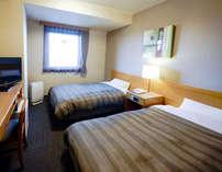 客室ツインルームの一例。ご夫婦・ご家族でのご宿泊に人気です!