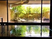「湯量たっぷりの自家源泉」 ~非日常を感じながら庭園を眺め、時間の流れを愉しむ。~  [姫島の湯]