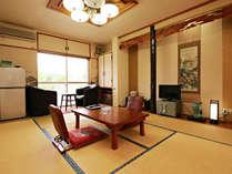 【客室一例】お部屋おまかせ(トイレ付) 8畳の和室はお子様連れのお客様に人気です。