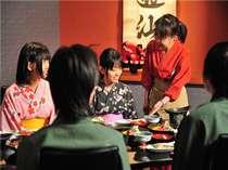 仲居さんとのおしゃべりを楽しみながら、とことん会津にこだわった郷土料理膳をお楽しみください。