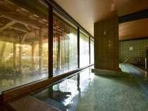【猿の湯】豊富な湯量の自家自噴泉は「温泉遺産」の認定を受けています。