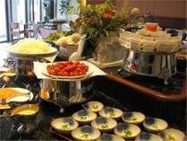 【朝食一例】ご朝食は和洋バイキング形式にてご用意♪※都合によりセットメニューになる事もございます。