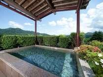 貸切展望露天風呂(完全予約制)。通常は40分 2,160円。素晴らしい景色を独占♪※温泉ではございません。
