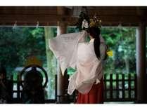 えびす様を奉った、「美保神社」。朝夕の神楽や巫女舞のある神事は必見☆彡
