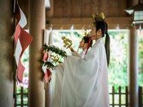 当館から徒歩2分の美保神社では、毎日、朝御饌祭・夕御饌祭が執り行われています。