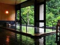温泉に入りながら窓から松川渓谷をお楽ししください。※女性大浴場