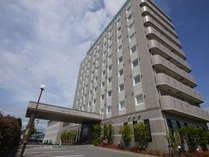 JR常磐線泉駅南口でてすぐ!駐車場160台完備です。