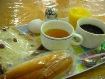 パン コーヒー フルーツジュース(100%) ゆで卵 スープ