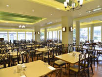 1階「ガーデンレストラン竜潭」ごゆっくりお召し上がりくださいませ