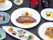 【琥珀コース★2食付★夕食グレードアップ】こだわり厳選食材の和洋創作料理&天然温泉★送迎サービス有