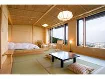 和洋室「こでまり」は開放感がありグループ旅行に最適。