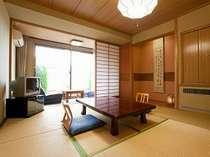 なだらかな泉水山を望む1階和室☆大浴場に近く温泉入浴に便利なお部屋です♪