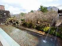 三俣山を望む絶景の露天風呂『牧ノ戸の湯』男女ともに内湯もあり☆一晩中いつでも利用できます♪