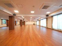 ■多目的室■ 合宿にも、会議にも、宴会にも早変わり。広いお部屋が新館にございます