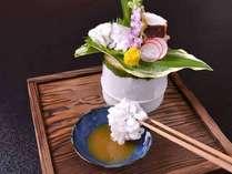*お夕食一例(向付)/鱧落しと茶蛸を梅肉で。さっぱりとした味わいは日本の夏に◎