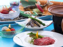 【黒毛和牛陶板焼き会席】季節のものを取り入れたお食事は、出来立てを順番にお出しします。