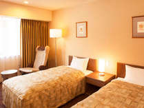 ツインルーム【喫煙可/禁煙・24平米】幅97cmのベッド2台。おふたりでのご利用に最適です。